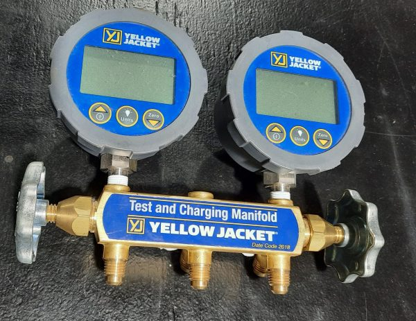Yellow Jacket Ac Gauges Digital Test and Charge Manifold