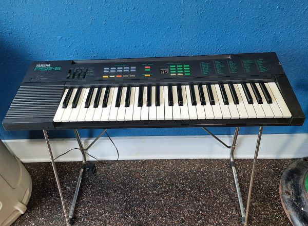 yamaha electric keyboard psr-6